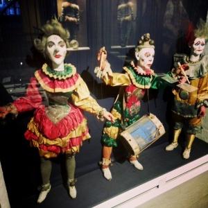 Circus marionettes